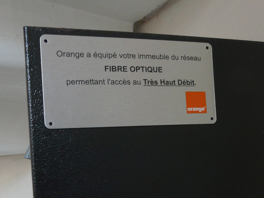 red by sfr installation fibre prise fibre optique orange in aide conseils. Black Bedroom Furniture Sets. Home Design Ideas