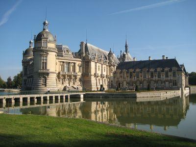 Chateau_de_Chantilly_01.jpg